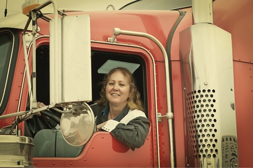Truck Driving: An Exciting New Career with Great Income