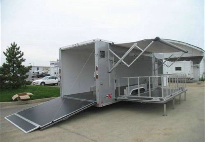 custom stage trailers