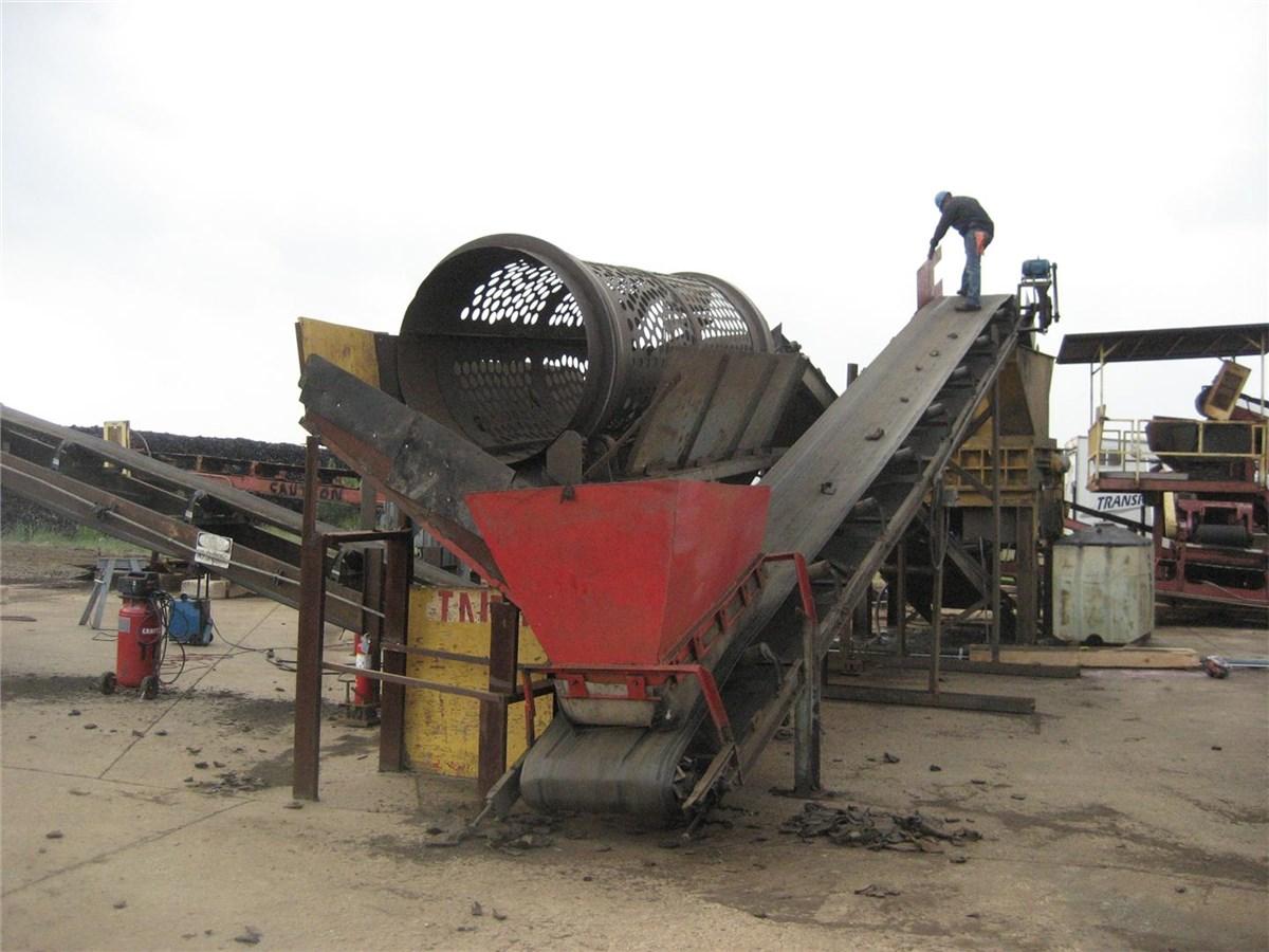 mac saturn hydraulic tire shredder  hp  conveyors  trommel plastic