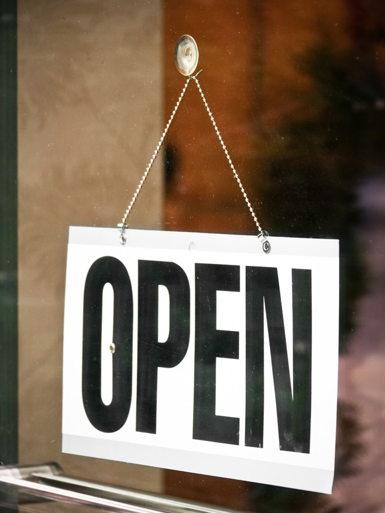 Attract customers with a great business sign