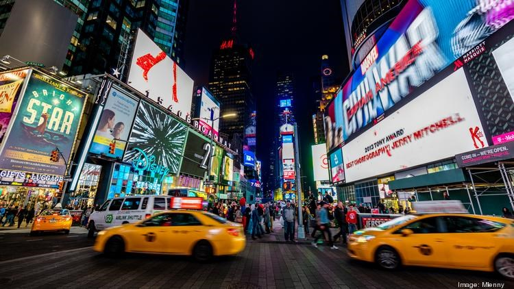 4 ways digital signage can turn your brand into a cult following