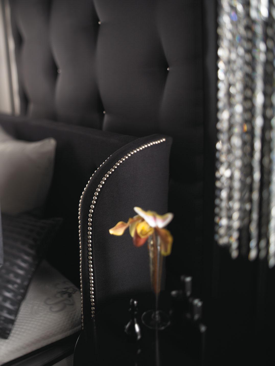 Simmons Beautyrest Black Daniella Plush Firm Pillow Top