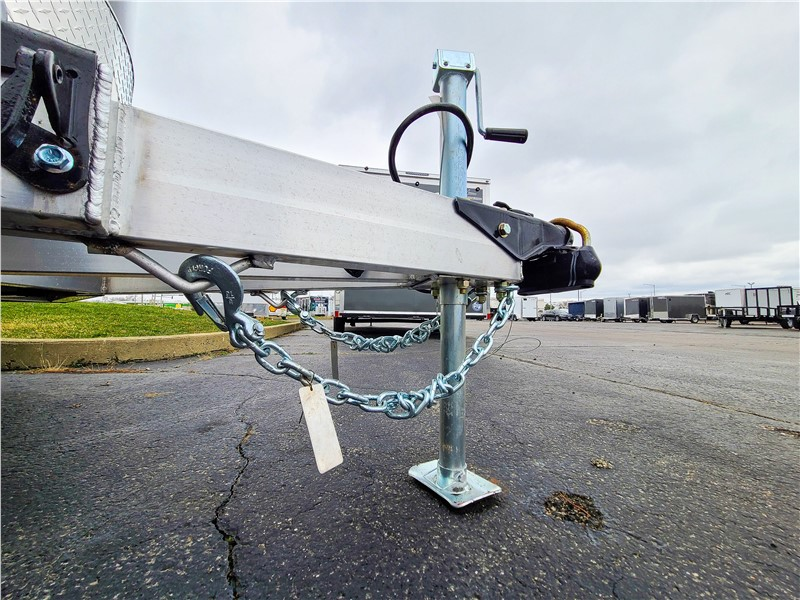 Do I Have to Use Safety Chains on my Trailer?