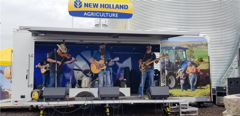 New Holland Stage Trailer