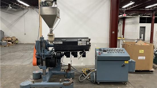 """1.75"""" Merritt Davis Pedestal Extruder, 24:1 L/D Ratio, 15 HP AC Motor"""