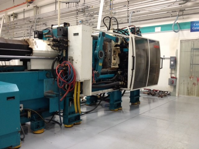 440 Ton Husky Injection Molding Machine Model Gl400gen