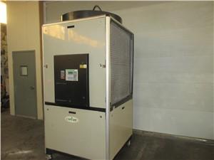 30 ton air cooled chiller_15984a (2).JPG