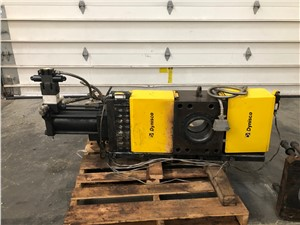 dynisco screen changer used  (1).jpg