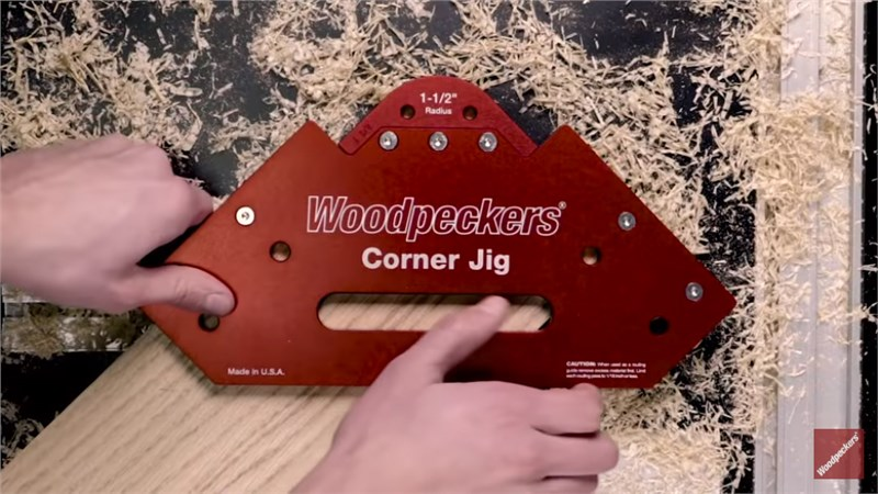 Woodpeckers red corner jig shown cutting