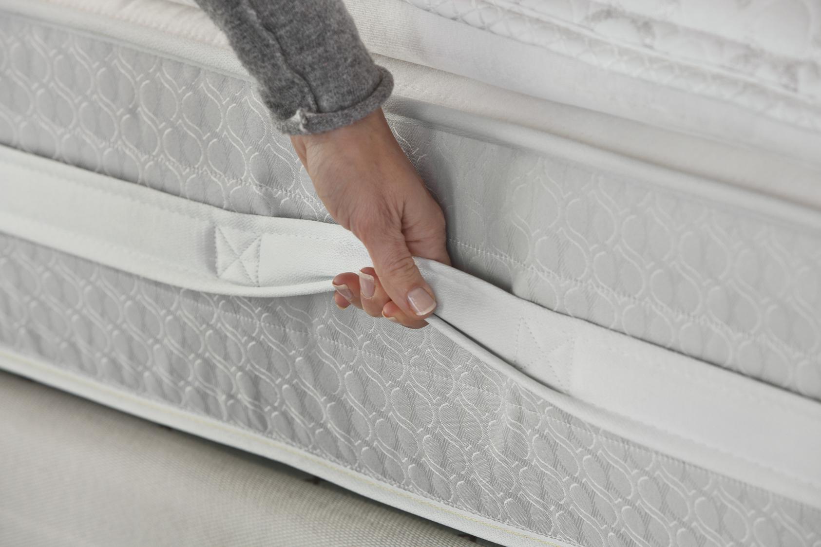 Sealy Posturepedic Titanium Ss Plush Super Pillow Top